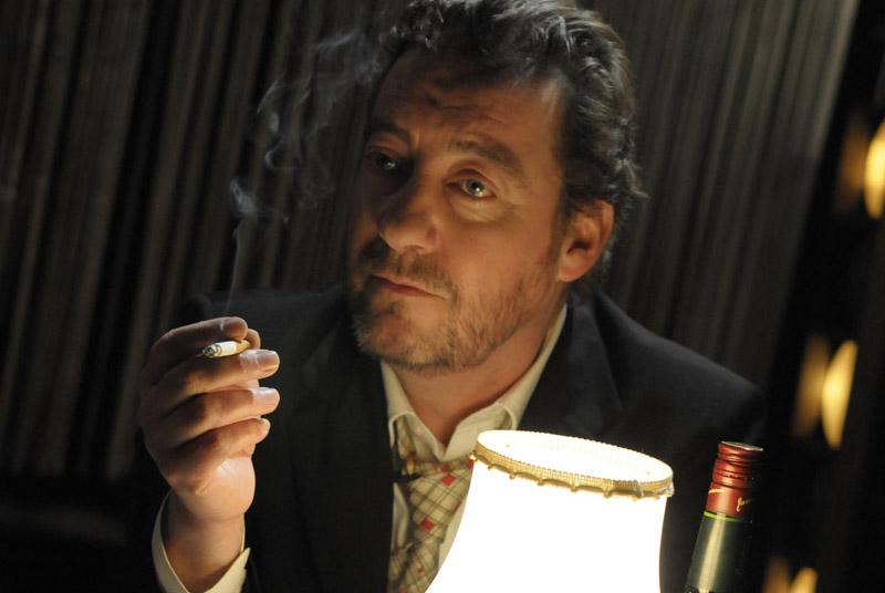 Par hasard et pas rasé »: Gainsbourg revient sur scène au ...