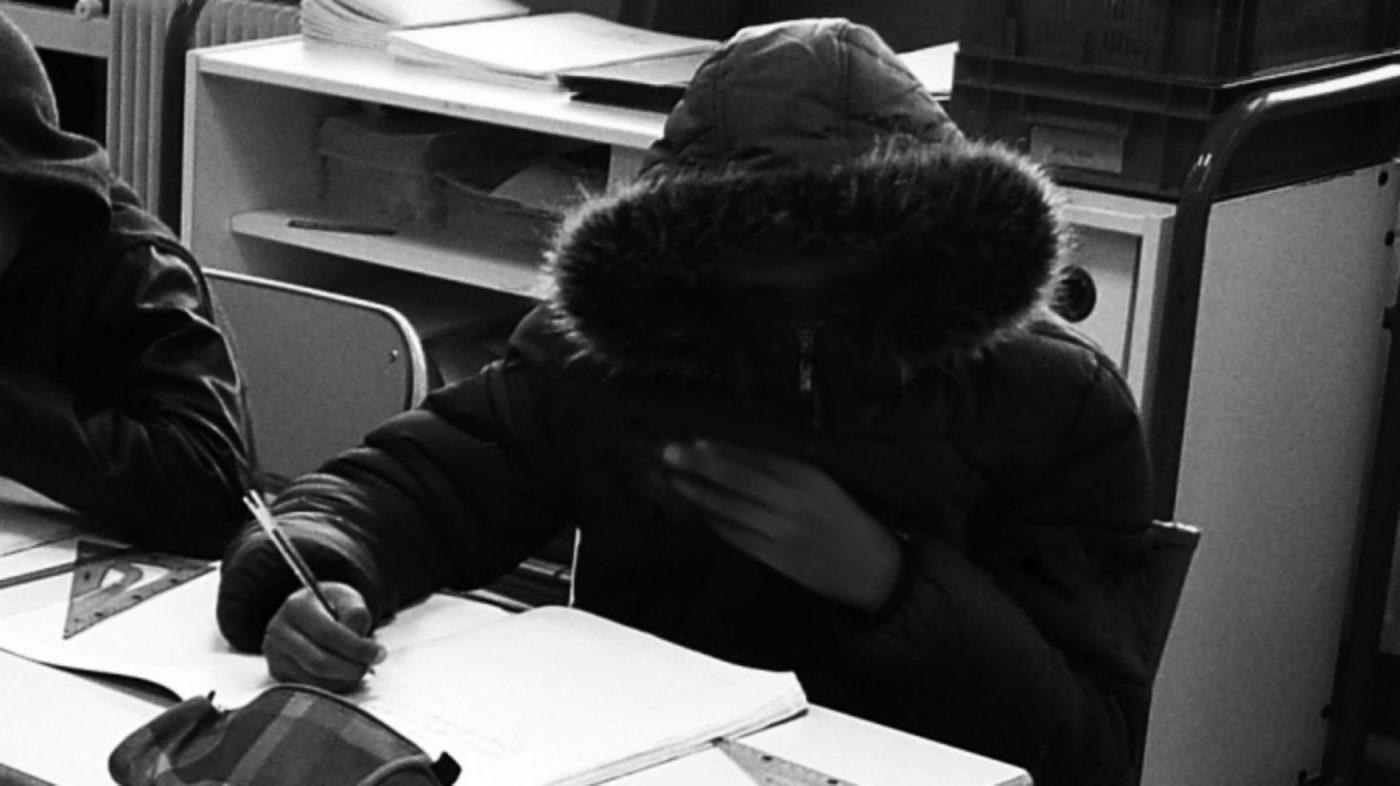 """Matin d'hiver. """"Une photographie d'élève (floutée) prise dans l'une de mes précédentes écoles d'affectation, également dans les Quartiers Nord de Marseille."""" Photo : Charlotte Magri"""