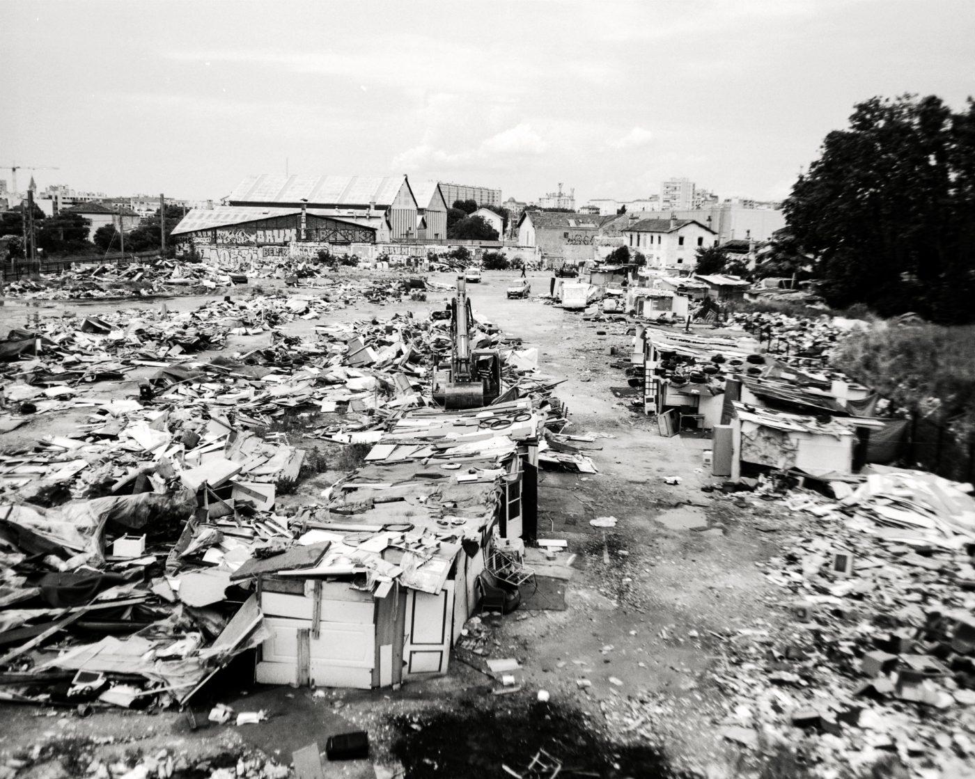 roms-bidonville-parette-destruction-livre-idir