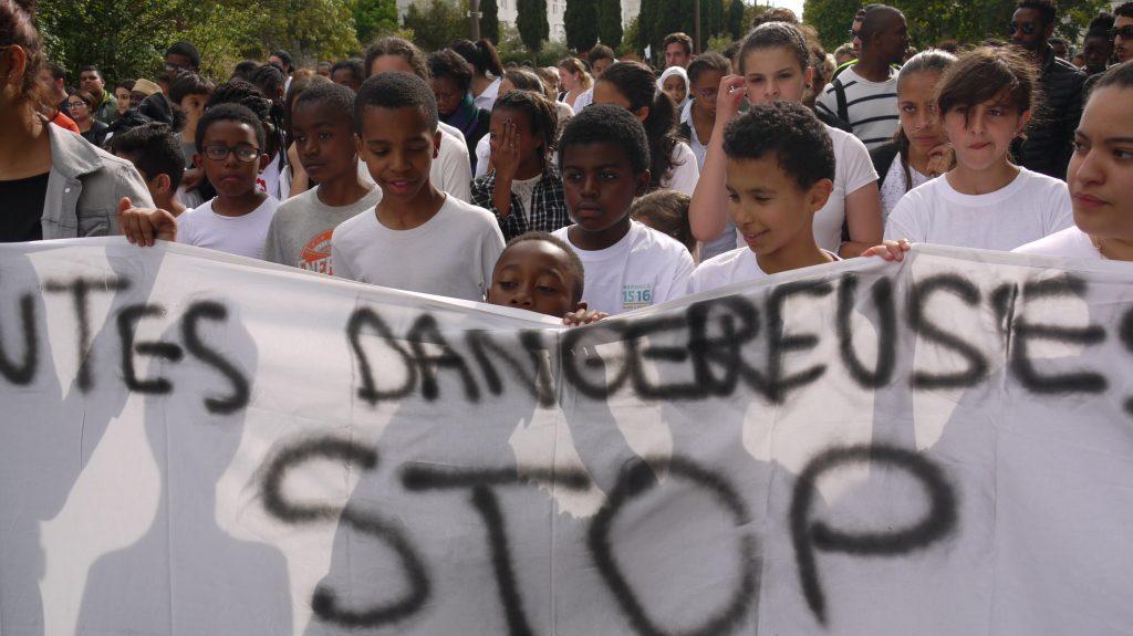 Au premier rang de la marche blanche, les enfants.
