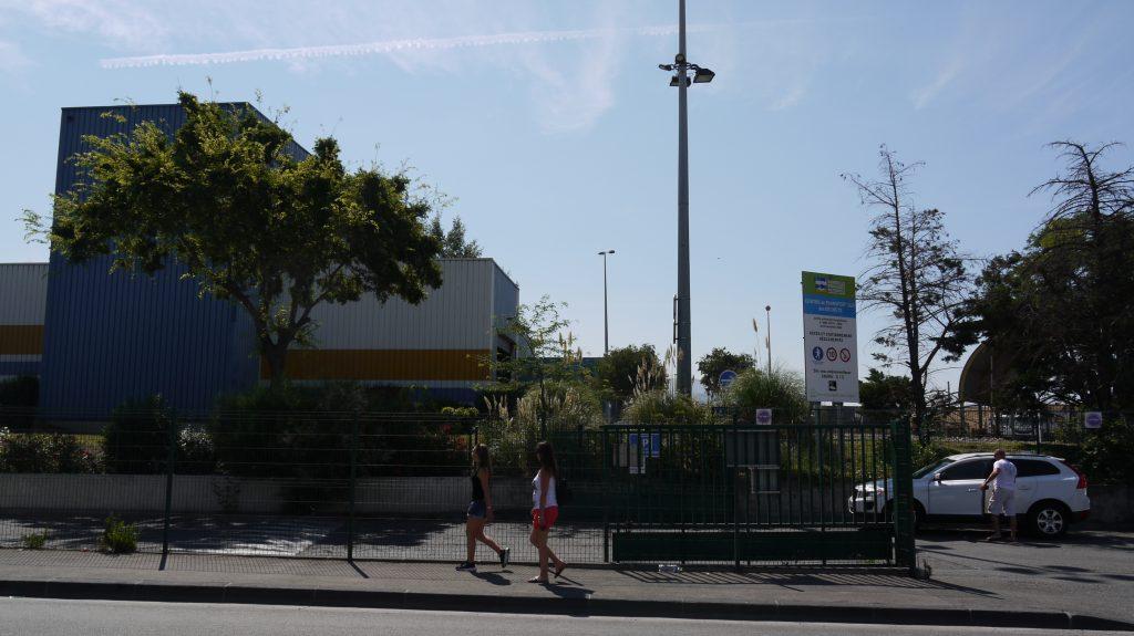 Le centre de transfert des déchets de La Capelette fait face à la patinoire.