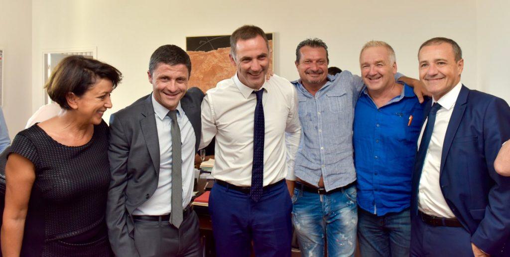 Photo postée par le président de l'office des transports de Corse Jean-Félix Acquaviva (à gauche).