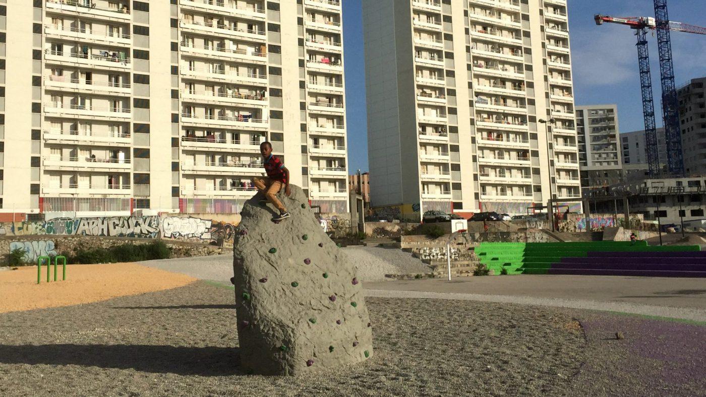 image-vivre-a-bougainville-un-terrain-de-jeux-provisoire-pour-defricher-le-futur-parc-urbain-02.jpg