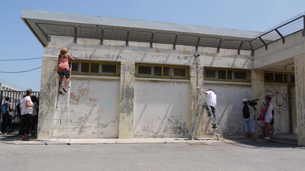 Parents d'élèves et militants s'activent pour la rénovation de l'école La Viste Bousquet ©AM