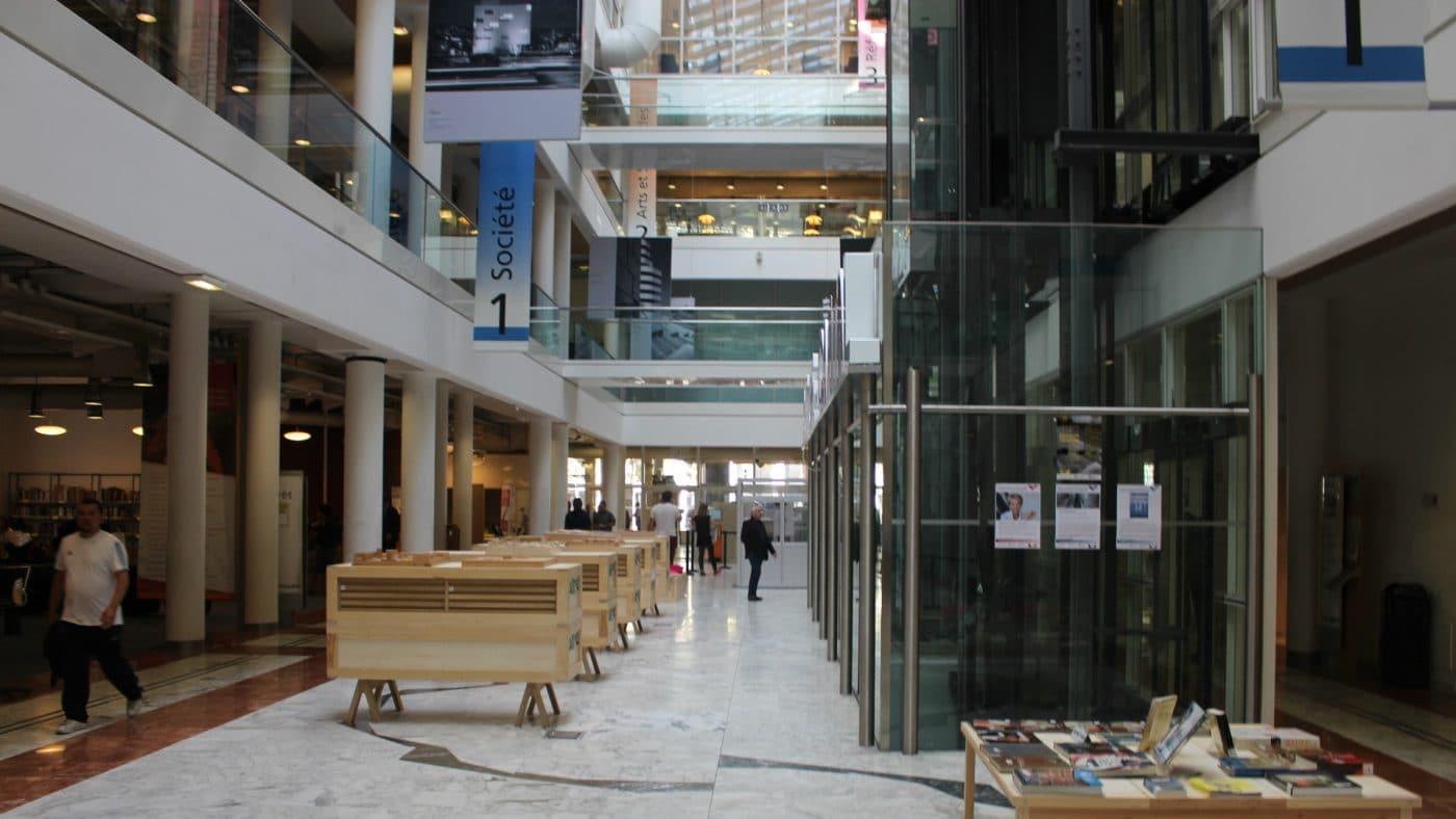 """Les bibliothèques marseillaises rouvrent sous forme de """"drive""""   Marsactu"""