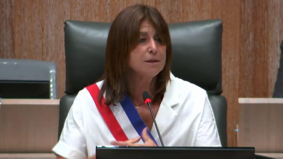 Michèle Rubirola élue maire de Marseille avec le soutien de Samia Ghali