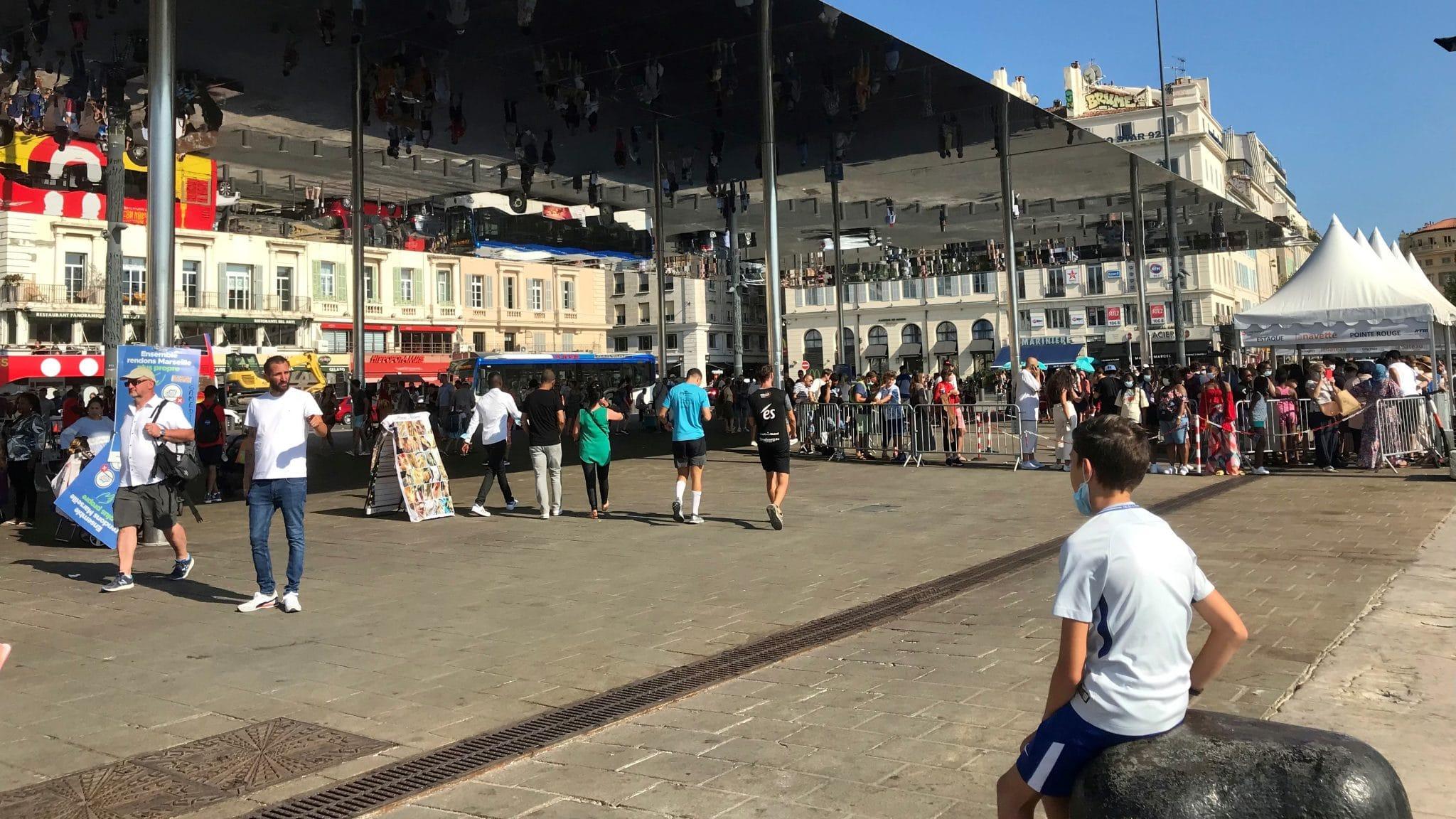 [L'été venants] Le Vieux-Port, épicentre populaire de l'été marseillais