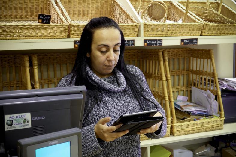 Nadia Makhloufi, boulangère dans le 13ème arrondissement de Marseille / Photographie - Raphaëlle Denis